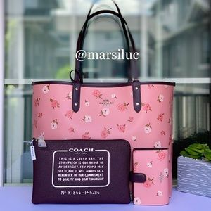 🌺NEW COACH LG REVERSIBLE TOTE AND WALLET SET